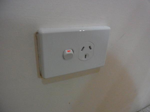 オーストラリア ゴールドコーストの電源プラグはO型
