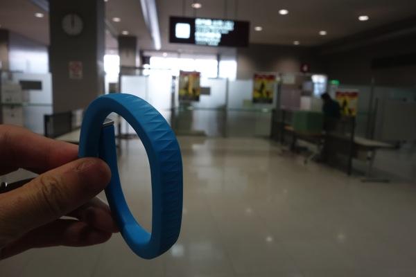 UP by Jawboneを装着したまま空港のセキュリティ・チェックの通過が可能だった