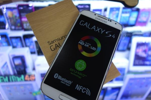 『GALAXY S4』海外版(GT-I9500)をバンコク MBKで購入!