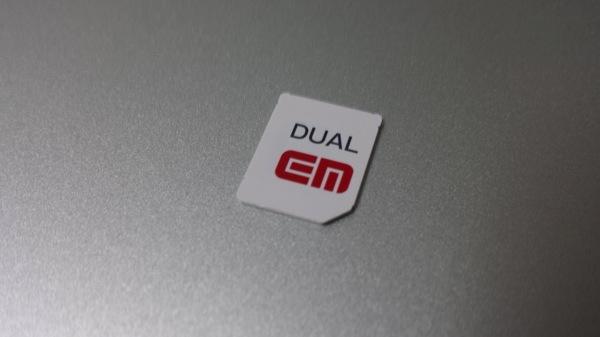 GL09PのSIMカード
