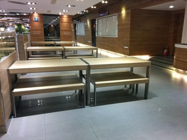 桃園国際空港 第一ターミナル Food Court内の様子