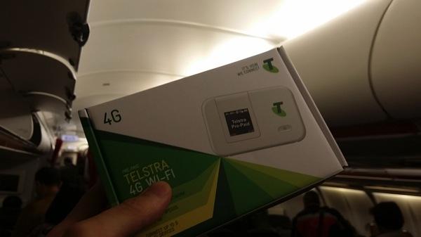 ジェットスター国際線の機内販売でTelstraのプリペイドSIM + LTE対応モバイルWi-Fiルータを購入!