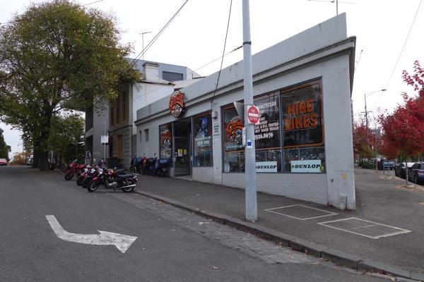 メルボルンでバイクをレンタル