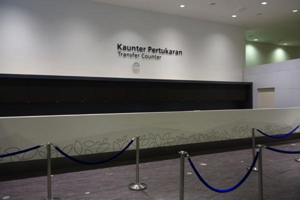 エアアジア:KLIA2での乗換時は搭乗券無しだと一旦入国が必要だった