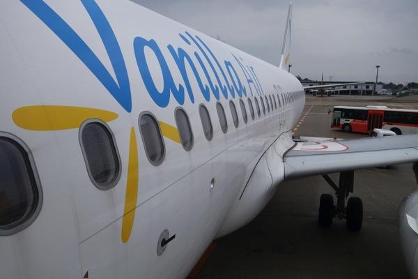 LCC国際線でも飛行機内の電子機器利用制限が緩和されていた