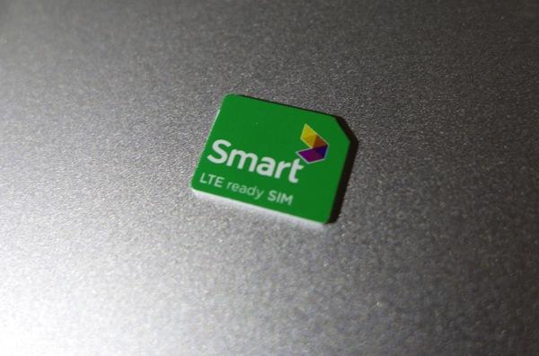 LTE ready SIMと書かれたSIMカード