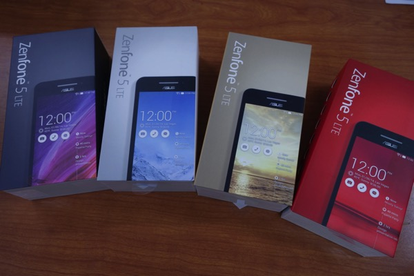 ZenFone 5はカラーによって背面カバーの質感が異なる – オススメはレッド