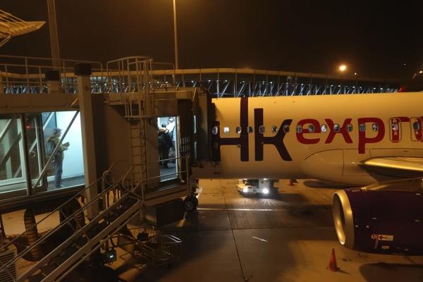 機体は香港エクスプレスデザイン