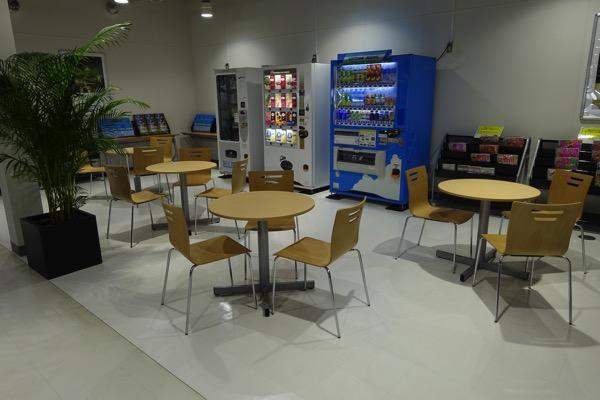 成田空港第二ターミナル「北ウェイティングエリア」
