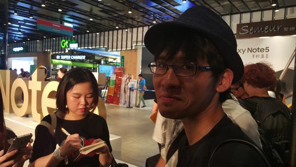蘋果日報のインタビューに答える@monosqu さん