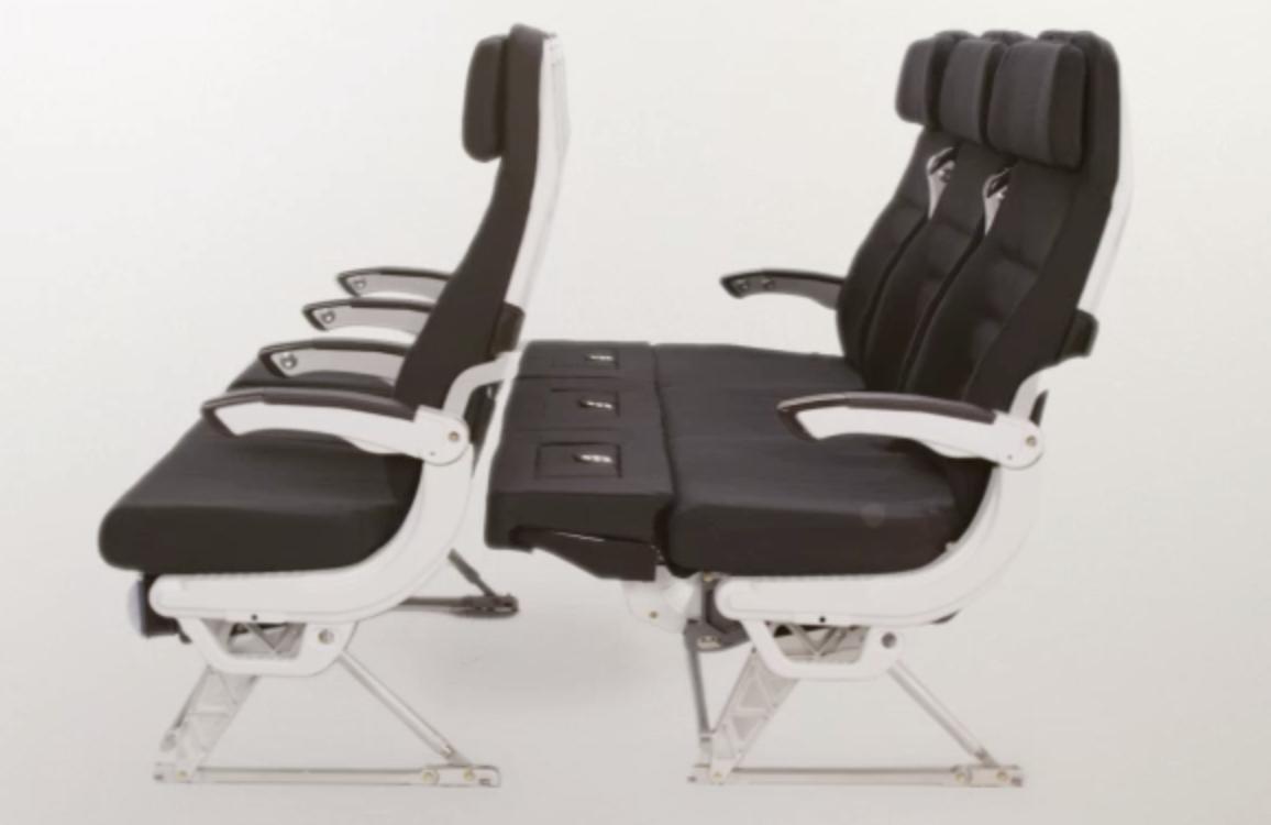 ニュージーランド航空、エコノミー席3列をベッドのように使える「スカイカウチ」が100円になるキャンペーン開催