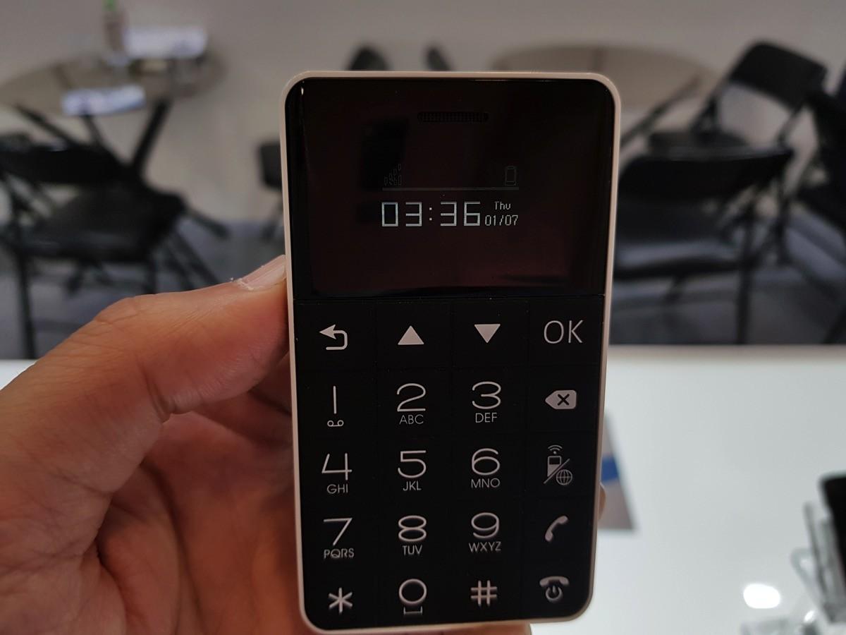 「Card Phone:3G対応モデル(実機)