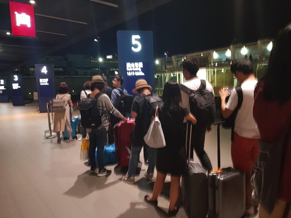 桃園空港(深夜)の1819系バス乗り場