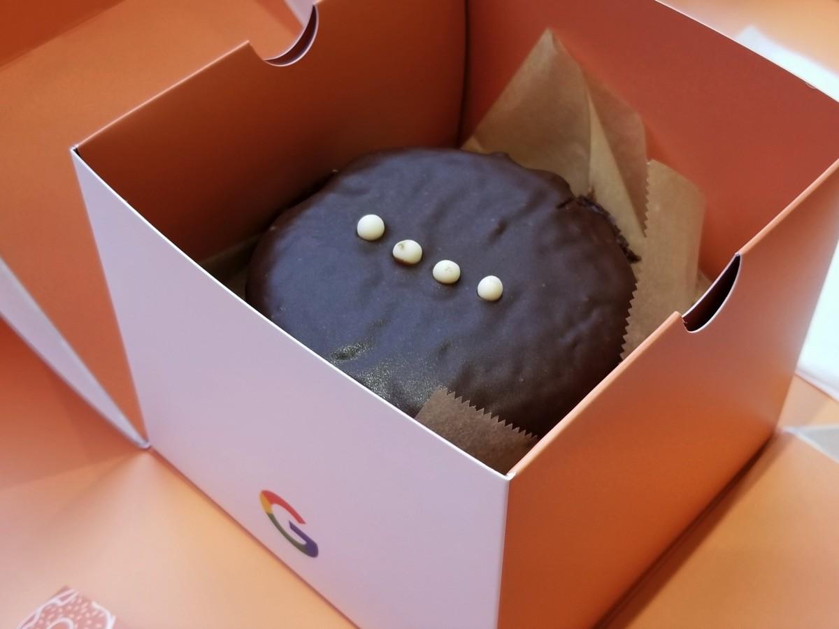 「Google Home Mini」っぽいドーナツ