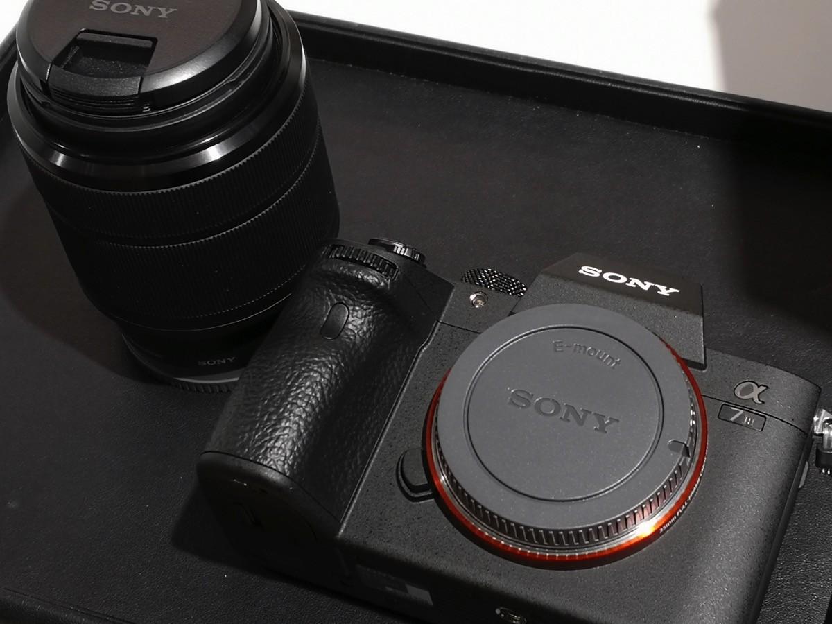 ソニーのデジタル一眼カメラ「α7 Ⅲ」を購入