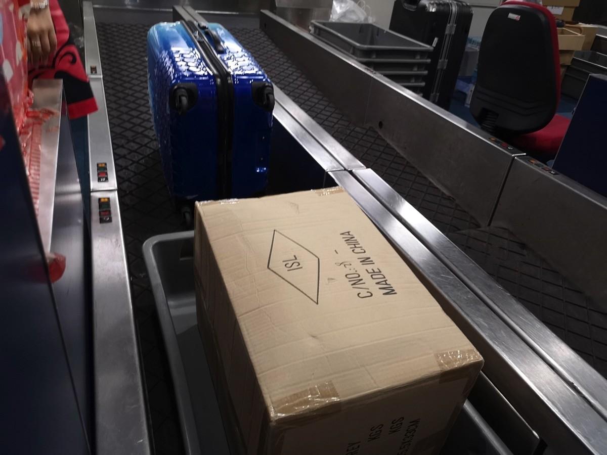 香港エクスプレス:2個以上の荷物預け入れもok。